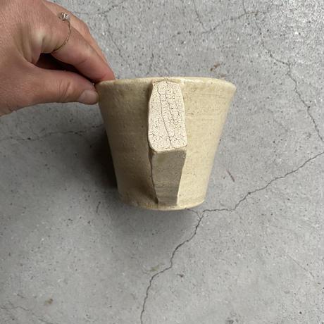 岩田圭介 灰釉マグカップ(三角)①