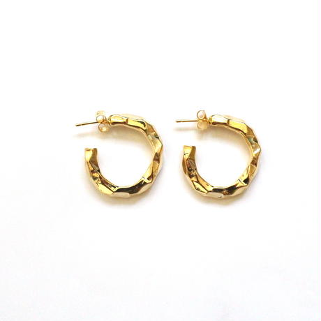 Hard Gold Hoop pierce