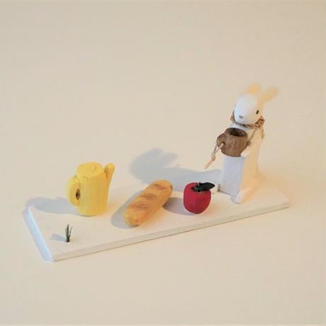 usagi picnic  / 台付き <完成品>