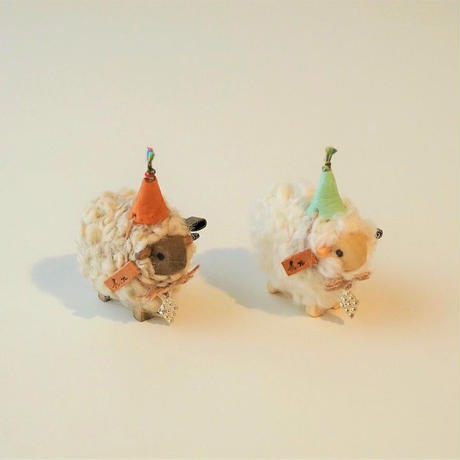 hitsuji brooch  S size  /  帽子 + 首飾りダイヤ型<完成品>
