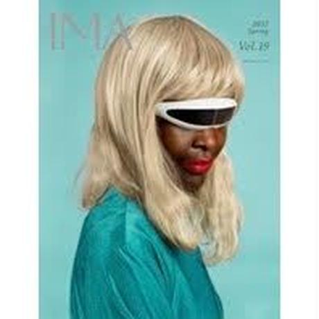 IMA Vol.19 特集「時代を動かす写真のユーモア」