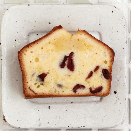 パウンドケーキ カット(クランベリー&ホワイトチョコ)