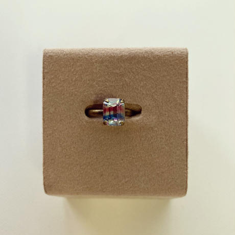 〖RING〗ヴィンテージ  エメラルドカットリング アイリスガラス