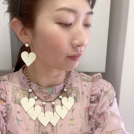 〖NECKLACE〗ハートアイボリーカラーネックレス