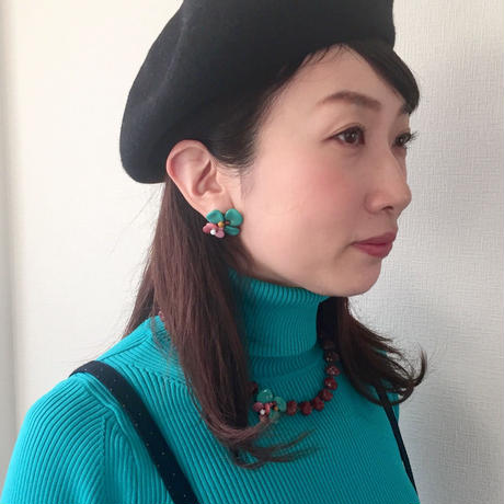 〖NECKLACE〗ターコイズグリーン×ピンクフラワーネックレス
