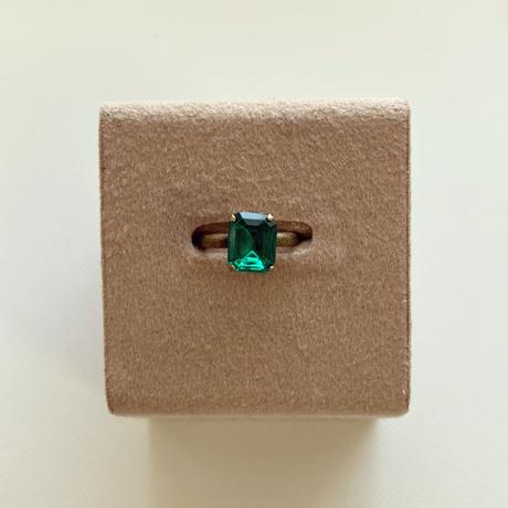 〖RING〗ヴィンテージ  エメラルドカットガラスリング エメラルドグリーン