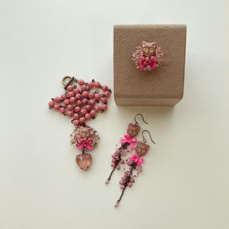 〖NECKLACE〗ピンクのネコネックレス