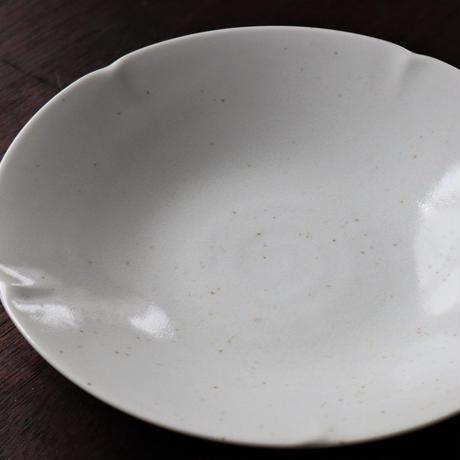 花型切り込み てんてんアイボリー カレーパスタ皿