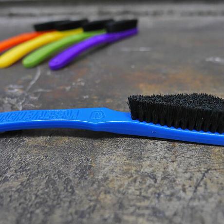 E9 〈E9 Brush/イーナインブラシ〉 全5色