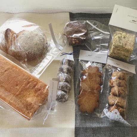 パンとお菓子のセットa