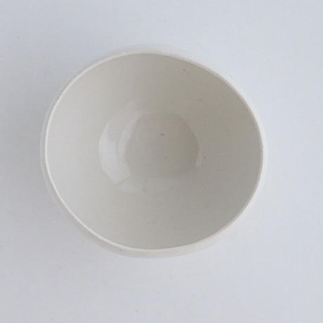 河合竜彦 白釉手びねり丸碗MS