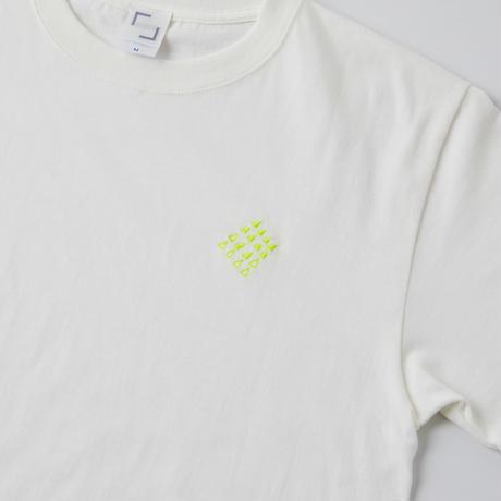 うろこを捨てた「ミーナのTシャツ」(バニラホワイト)