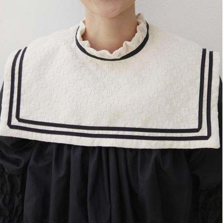 sailor collar