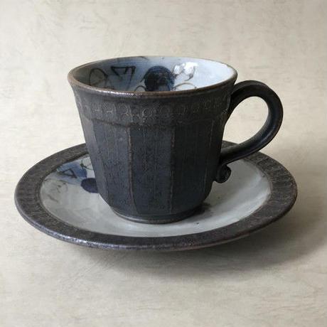 黒釉面取バラ柄コーヒーカップ&ソーサー