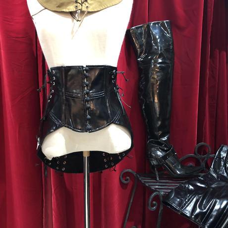 enamel  bondage lace up mini skirt
