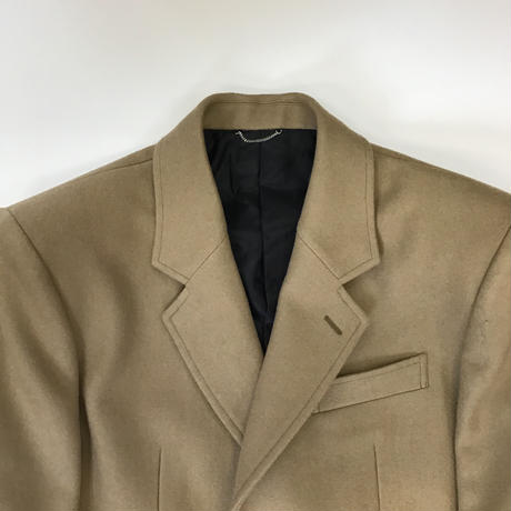 JOHNLAWRENCESULLIVAN | FRONT SIDE BUTTONED COAT | CAMEL