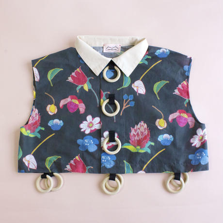 Wood Ring Short Blouse ( No Sleeves )