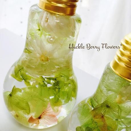 ライムグリーン系フラワーボトルハーバリウム   Sサイズ