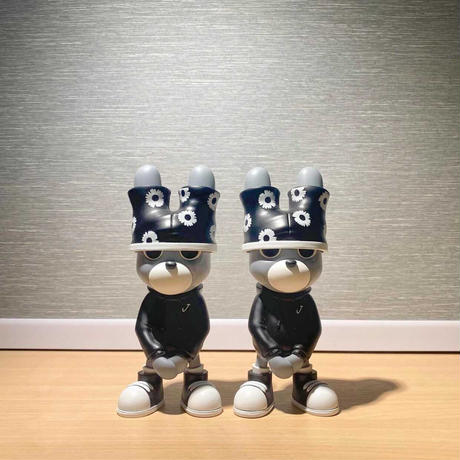 SOLDOUT {Pre-order} Under Bunny by A Bating Toy - Black Edition フィギュア アートトイ