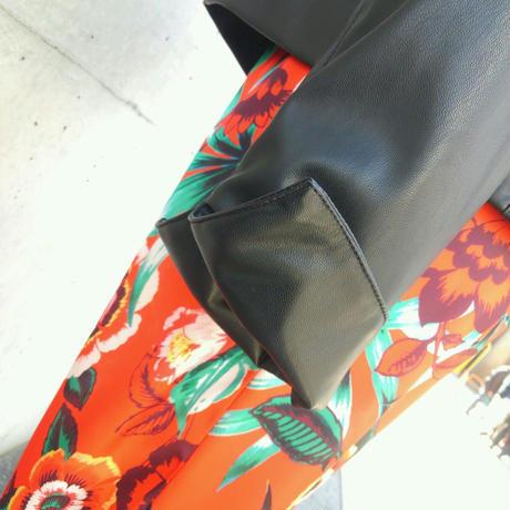 [上品なレザージャケット]GAUDIガウディ ノーカラージャケット ライダース フェイクレザー 黒ブラック イタリア製 MADEINITALY