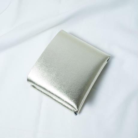 "irose ""seamless short wallet"" / イロセ ""シームレスショートウォレット""(シルバー)"