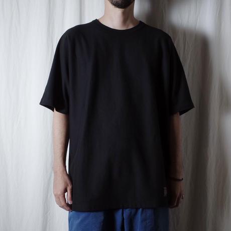 """O- """"F.L.A.T""""  / オー """"フラットルーズオーセンティックTシャツ"""" (ブラック)"""