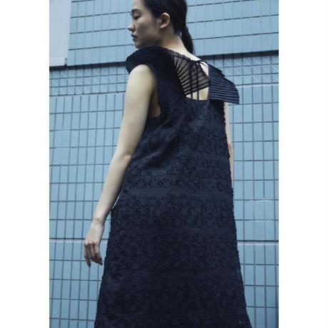 BANSAN  See-through Flower Pleats Dress - BLACK