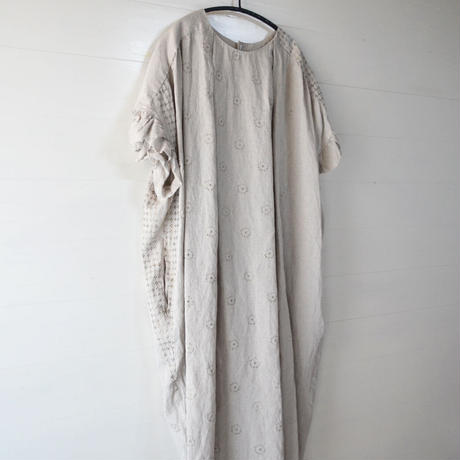 GASA*/ 砂の回廊 フレアスリーブワンピース  (Lady's/beige)  11211-04111