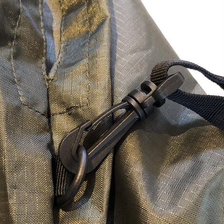 LOGO SHOULDER  BAG    ARMY GREEN