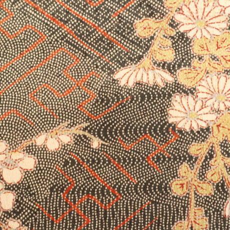 【はぎれ】灰茶色の江戸小紋寄せ柄・紗綾型・紋綸子(2008043‐1)