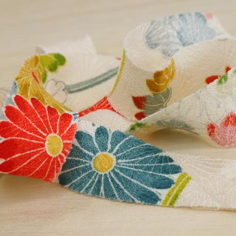 白地に鮮やかな春秋花柄2m(2008001)