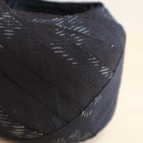 限りなく黒に近い紺・絣模様・紬2m(2006071)