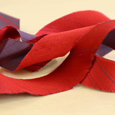紅色と紫の光沢ある無地・コート地(723)