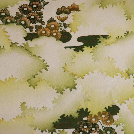 【はぎれ】白に松・菊・観世水柄小紋・縮緬50㎝(2008024-1)