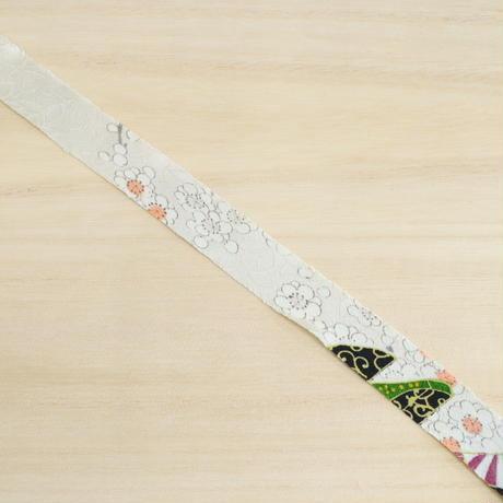 白地に梅柄ところどころ鮮やかな扇2m(2006054)
