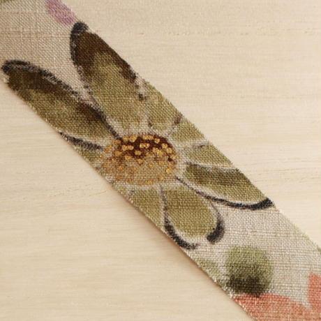 灰汁(あく)色に花柄・紬2m(2006073)