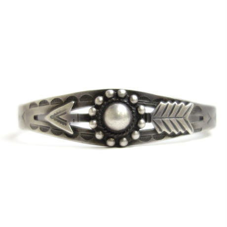 Arrow Dome Bracelet / Fred Harvey Style