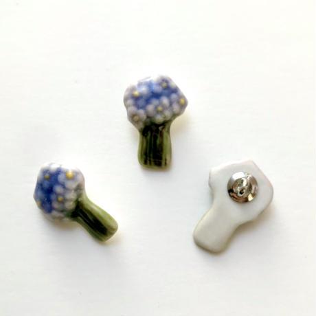ののむらみなみ 陶器ボタン(花束 青紫×緑)