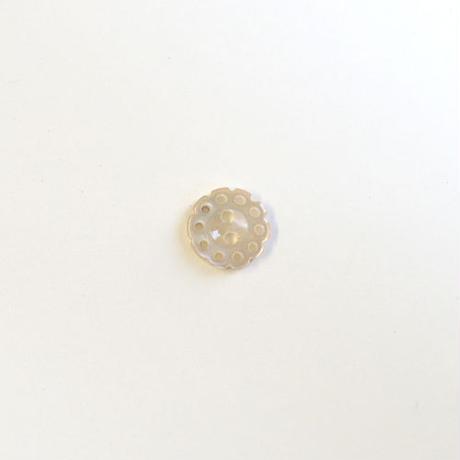 フラワー型透かしシェルボタン (JB106195 ベージュ)