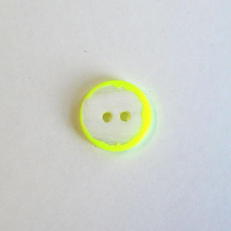 ネオンカラーシェルボタン(JB109236 12mm イエロー)