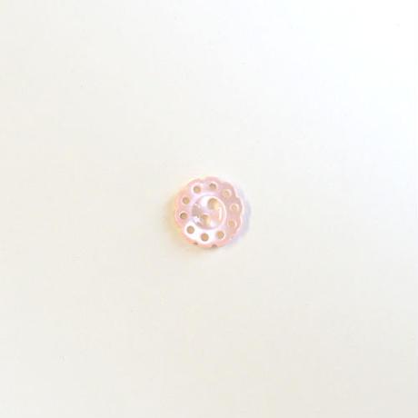 フラワー型透かしシェルボタン (JB106195 ピンク)