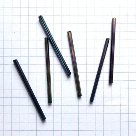 ヴィンテージフランス 竹(チューブ)ビーズパック(No.9 ブラック×玉虫カラー)    【6本入り】