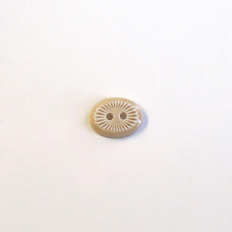 オーバル型刻みボタン (JB736319 ベージュ)