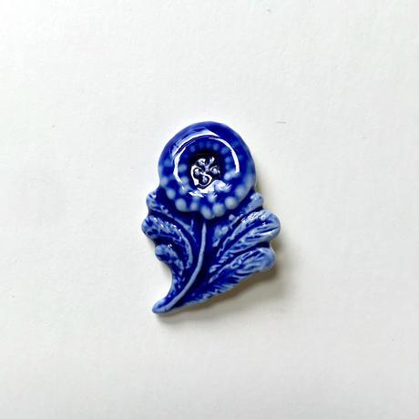 ののむらみなみ 陶器ブローチ(青い花)*専用箱入り