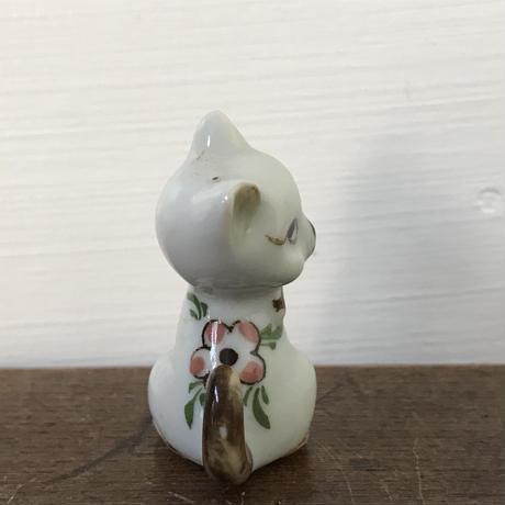 【古道具127】 アンティーク ちいさな ネコ オブジェ