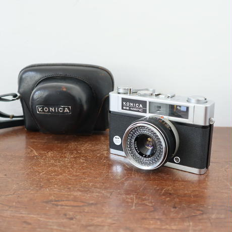 【古道具242】レンズがかわいい  KONICA  EE-MATIC  Deluxe ビンテージカメラ