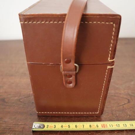 【古道具238】 Bell&Howell  古い革カメラケース  鍵、ストラップ付