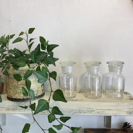 【雑貨003】すりガラスのレトロ瓶