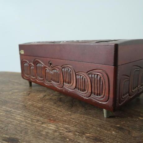 【古道具259 】木彫のアクセサリーケース オルゴール付