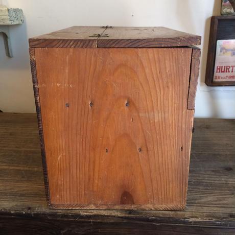 【雑貨010】木製裁縫箱 鉄製カギ付き 引き出し